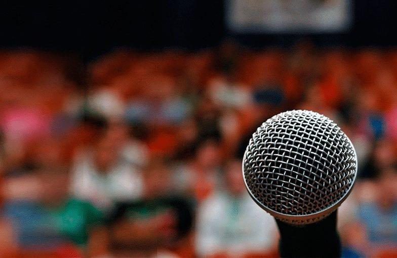 Public speaking: 5 definitive tips